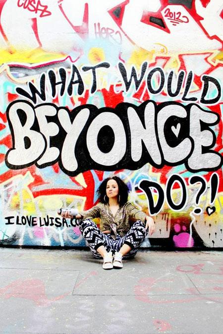 Review: Luisa Omielan. What would Beyoncé do?!