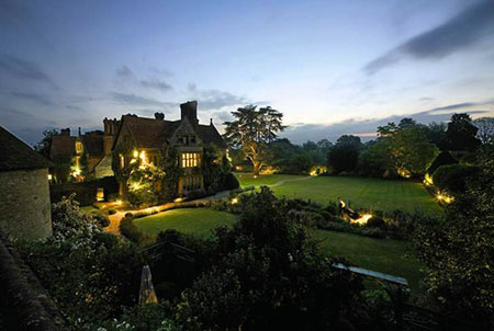 Le Manoir, picturesque at dusk